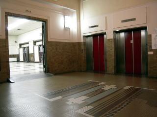 エレベータホール~ホールロビー